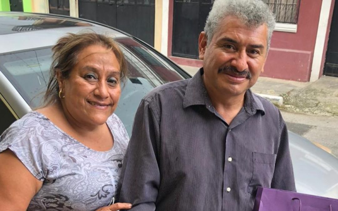 Lobo Vázquez junto a su esposa