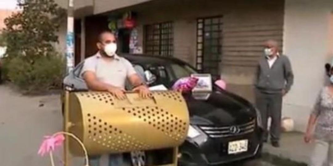 Hombre rifa su auto para pagar gran deuda de hospitalización de su suegro por covid-19