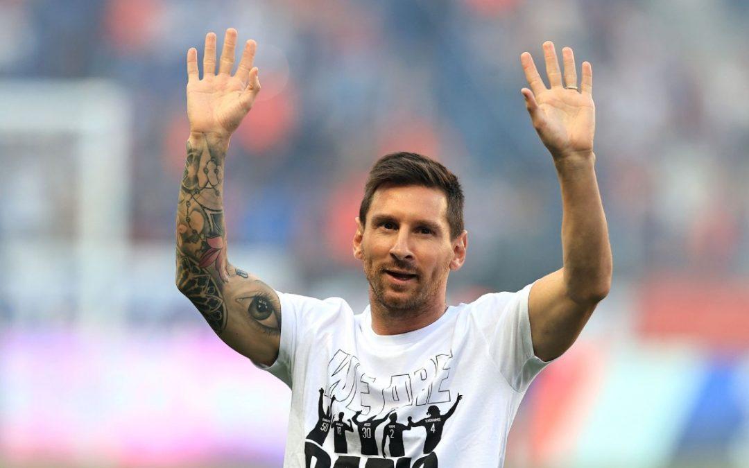 El Parque de los Príncipes enloqueció cuando Leo Messi fue presentado