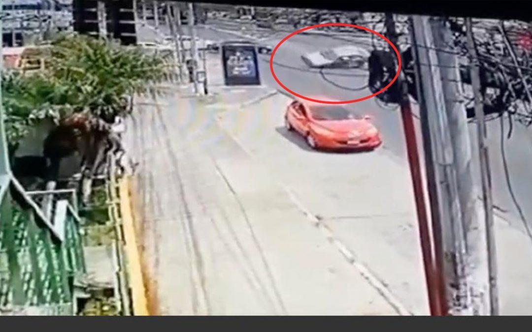 Momento exacto del accidente de tránsito en Calzada «San Juan»